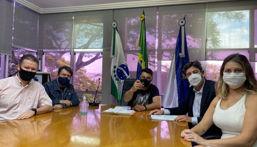 Entidades entregam a Rangel plano de retomada da economia